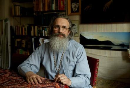 Протоиерей Константин Кобелев: Зная о большом количестве новомучеников, каждый из заключенных понимает, что в камере, где он находится, мог быть кто-то из святых